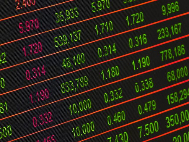 stock-exchange-board-210607
